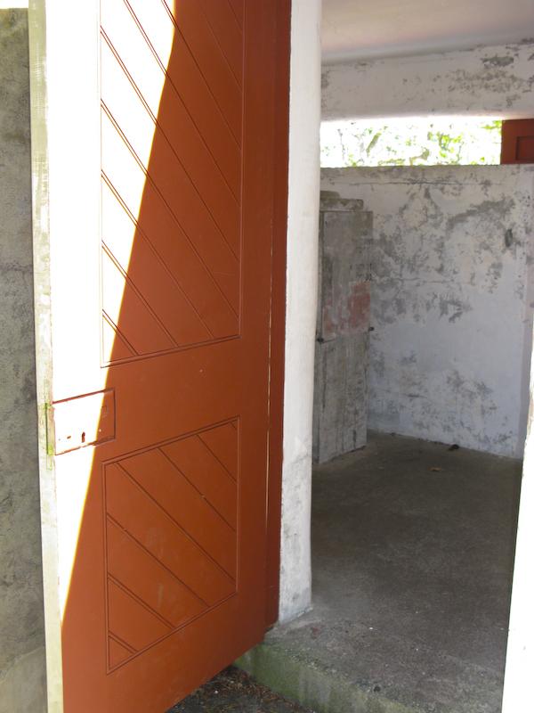 Fort Rod Hill orange doorway